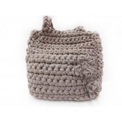 Handgefertigte Tasche aus Textilgarn, gehäkelt